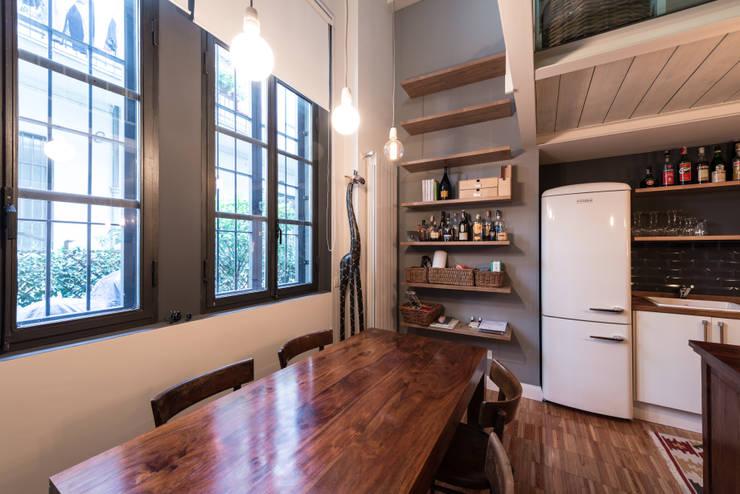 6 brillanti idee per arredare una cucina stretta e lunga for Arredare senza confini