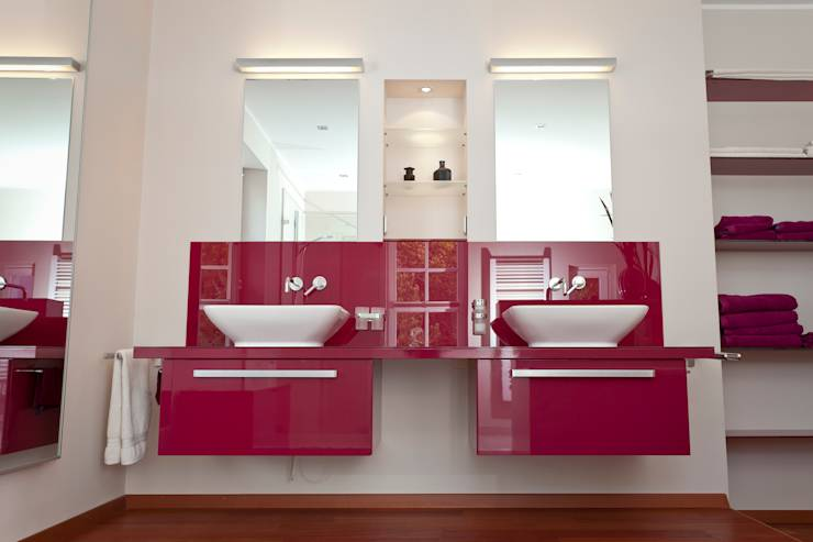 Baños de estilo  de Klotz Badmanufaktur GmbH