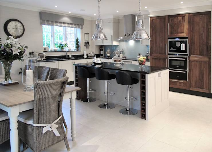 11 kitchens perfect for the south african family for Kitchens south africa