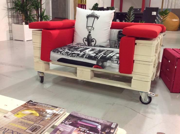 7 formas de incorporar muebles hechos con palets en tu casa for Muebles de sala hechos con palets