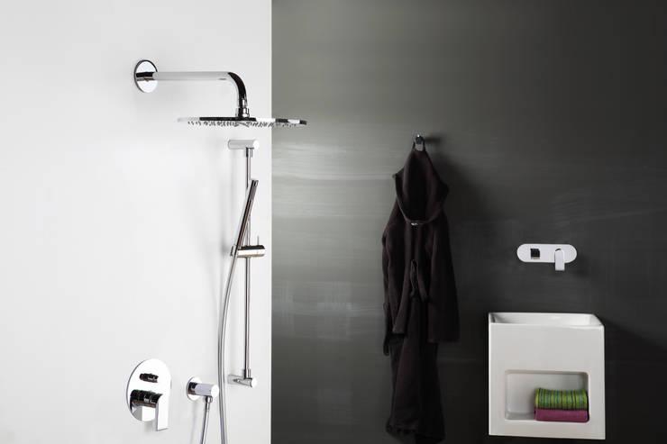 Tra funzionalit e design il saliscendi doccia for Gruppo doccia