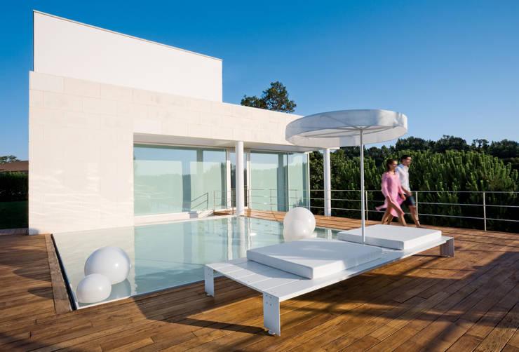 Come proteggere il terrazzo dal sole 9 esempi - Piastrelle da balcone ...