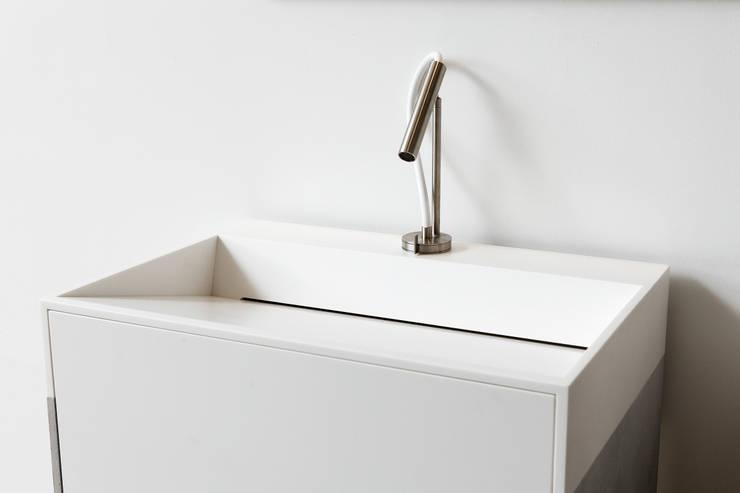 I lavandini per il bagno che arrivano dal futuro - Bambolotti che fanno il bagno ...