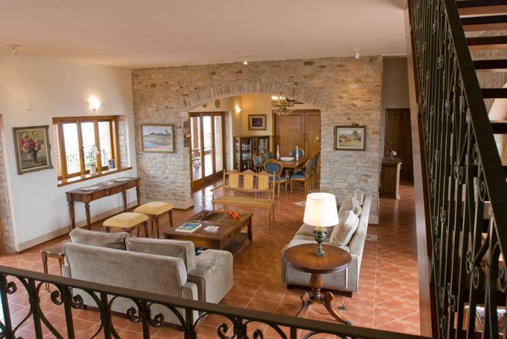 9 idee per un salotto caldo e accogliente for Interieur forma sa