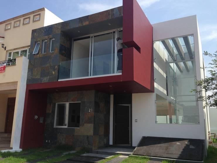 7 fachadas modernas por arquitectos mexicanos - Colores de fachadas modernas ...