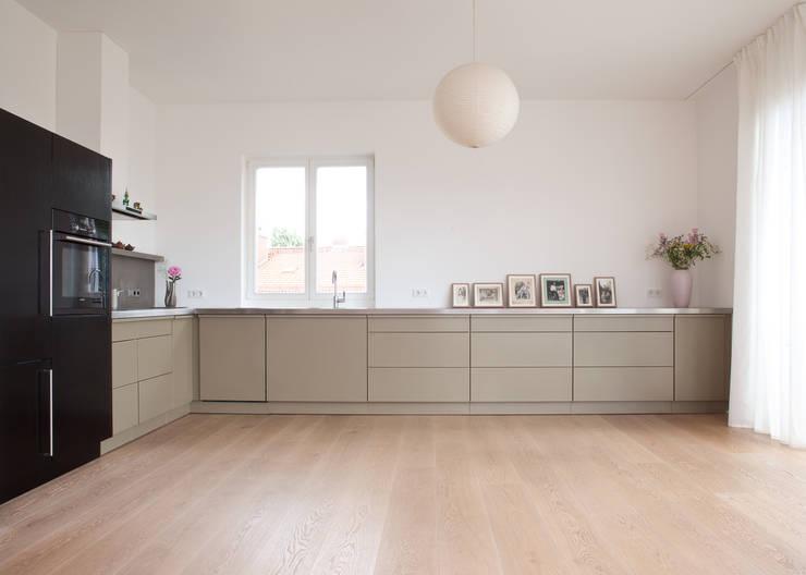 bunte k chen von popstahl. Black Bedroom Furniture Sets. Home Design Ideas