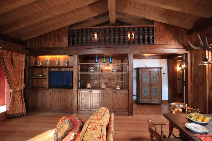 Mobili rustici 10 consigli pratici per far pi bella la for Arredamenti rustici per taverne