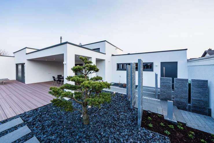 Jardin de style de style Moderne par Helwig Haus und Raum Planungs GmbH