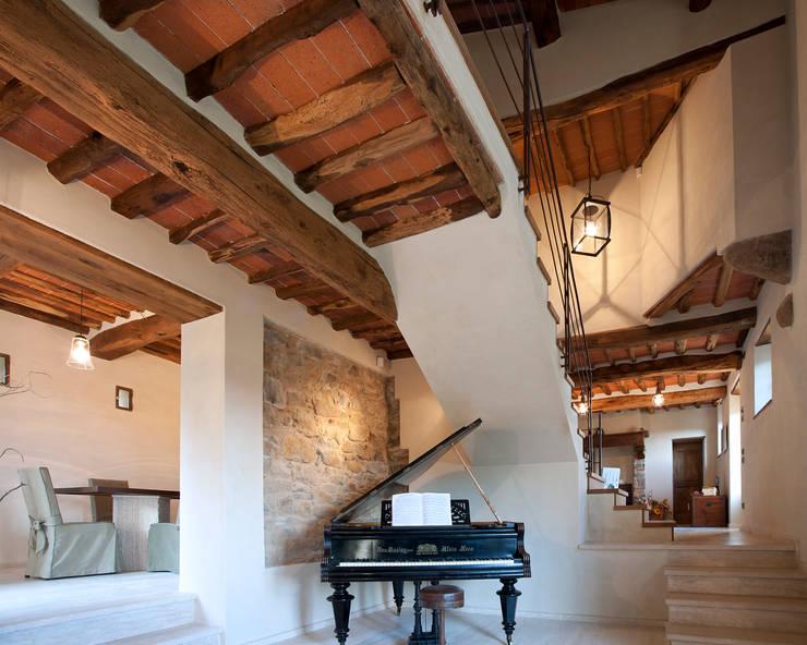 lo stile rustico ma contemporaneo di una casa colonica
