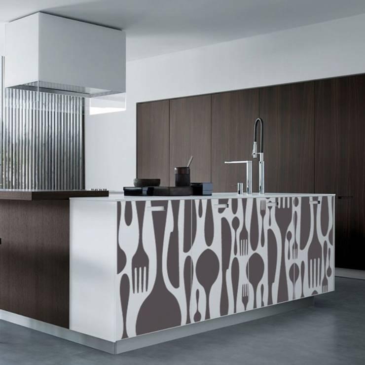 11 adesivi murali per la cucina che vorrai subito copiare for Scritte adesive cucina