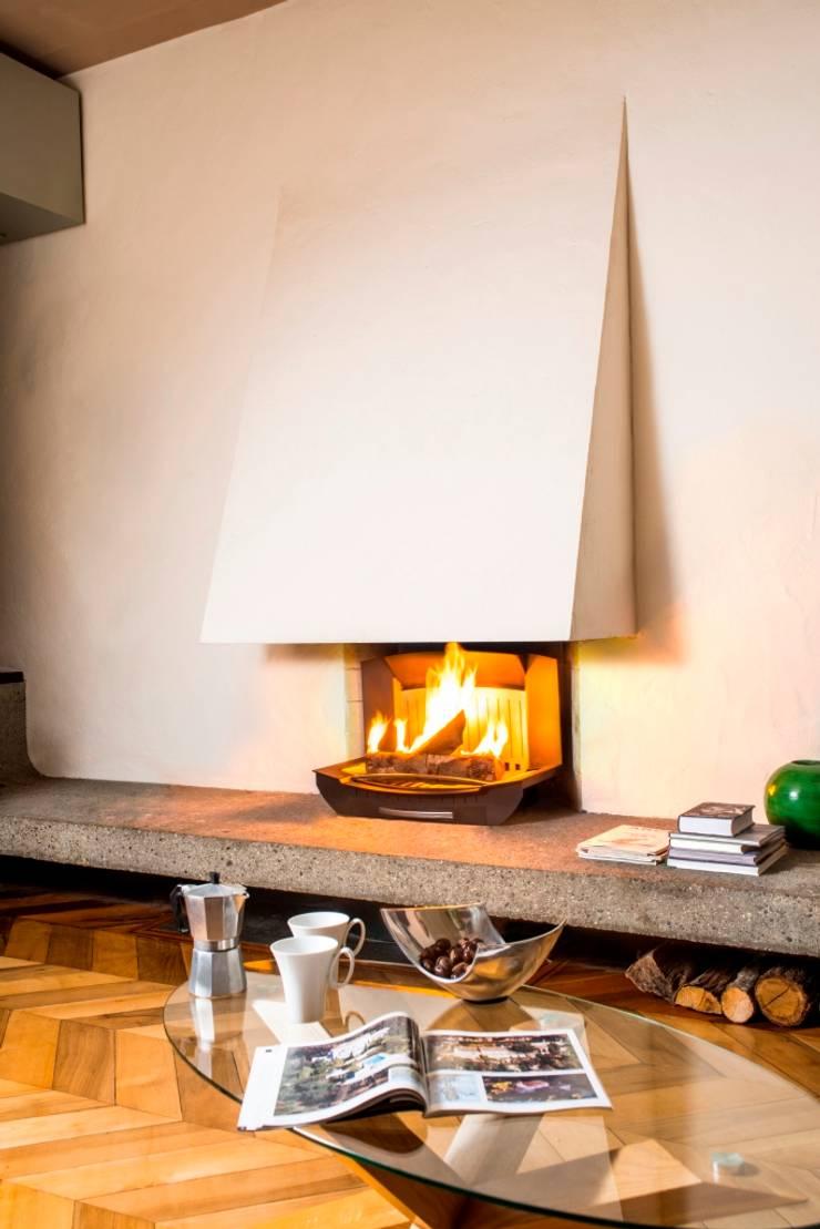 l 39 insert ouvert dans une chemin e classique par finoptim. Black Bedroom Furniture Sets. Home Design Ideas