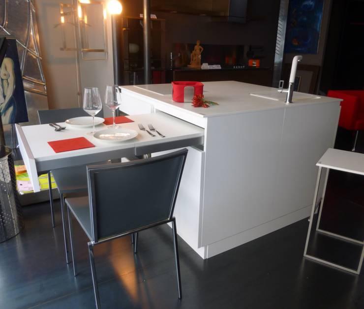 Idee salvaspazio per l appartamento di una giovane coppia for Idee salvaspazio cucina