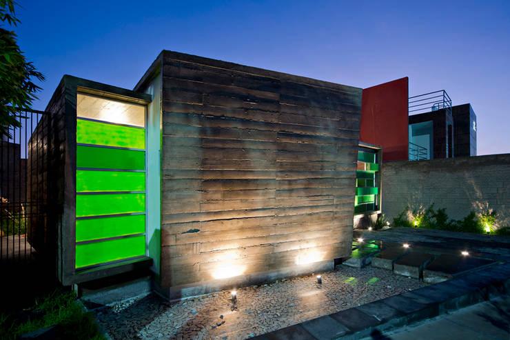 10 facciate luminose per case molto piccole for Planimetrie di casa molto piccole