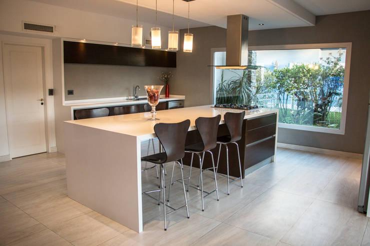 10 estilos diferentes en pisos de cocina for Pisos de ceramica para cocinas modernas