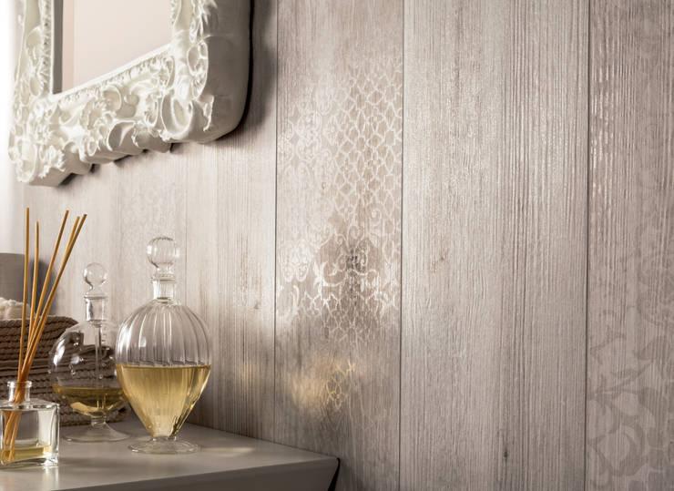 bagno con finto legno piastrelle effetto legno lucido nuove collezioni per il gres
