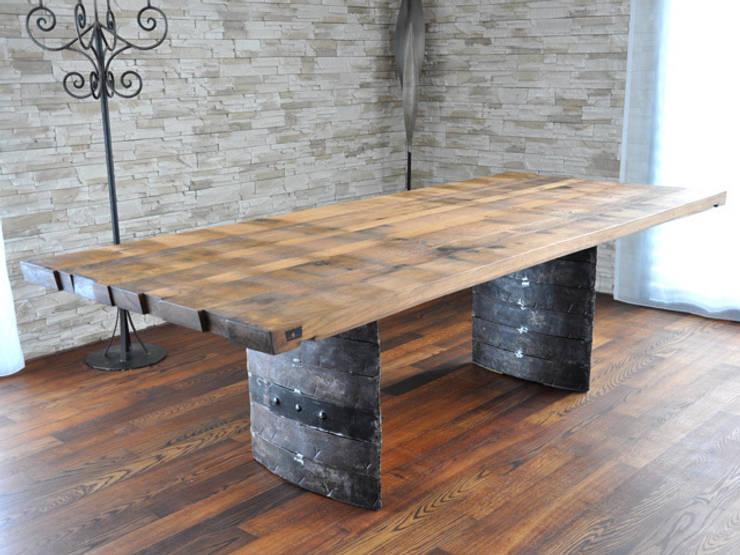 stylishe holztische. Black Bedroom Furniture Sets. Home Design Ideas