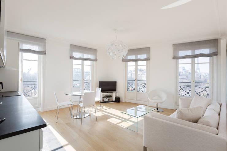 luminoso ed elegante un appartamento bellissimo. Black Bedroom Furniture Sets. Home Design Ideas