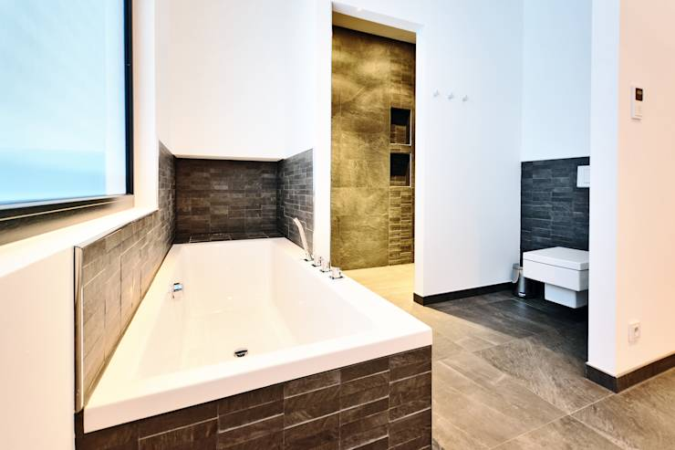 einfamilienhaus zeigt extravaganz. Black Bedroom Furniture Sets. Home Design Ideas