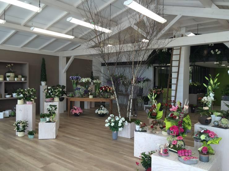 Agencement interieur magasin fleuriste par ineo concept for Idee boutique a ouvrir