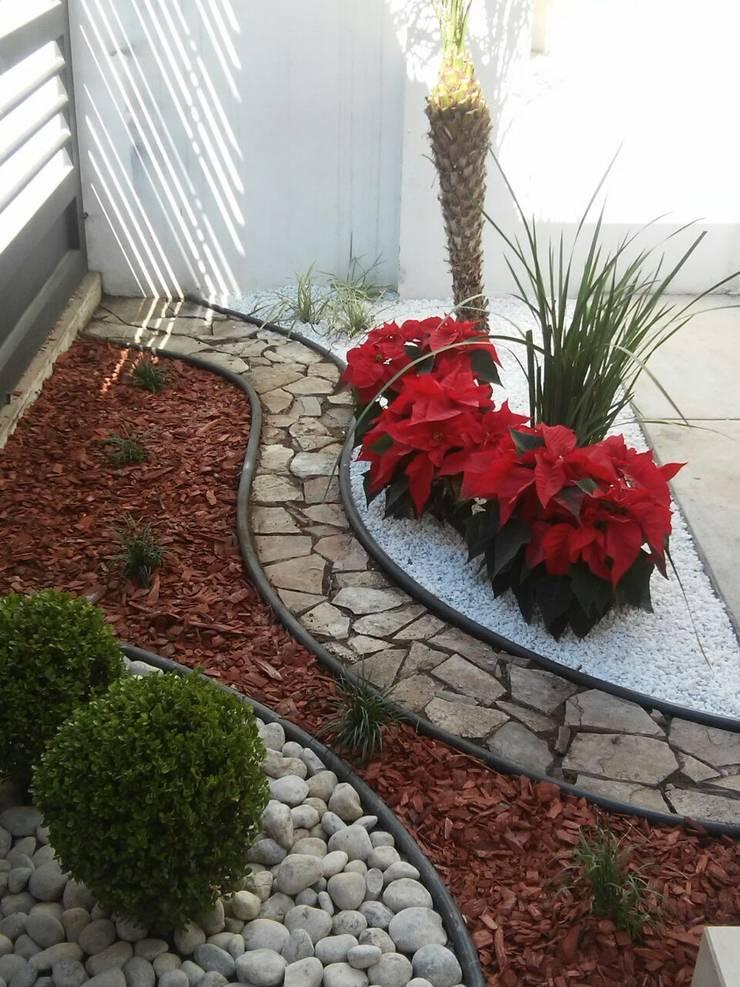 Dise os de jardines de vivero cumbres elite homify - Jardines modernos con piedras ...