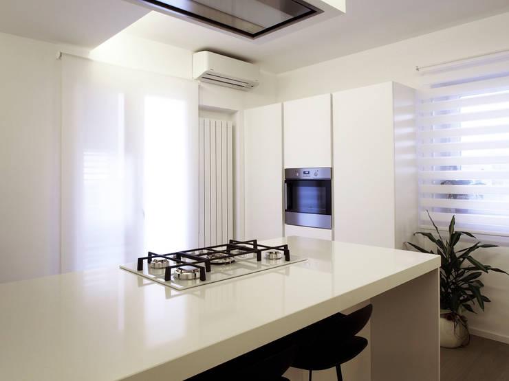 moderne k chen planen und einrichten. Black Bedroom Furniture Sets. Home Design Ideas