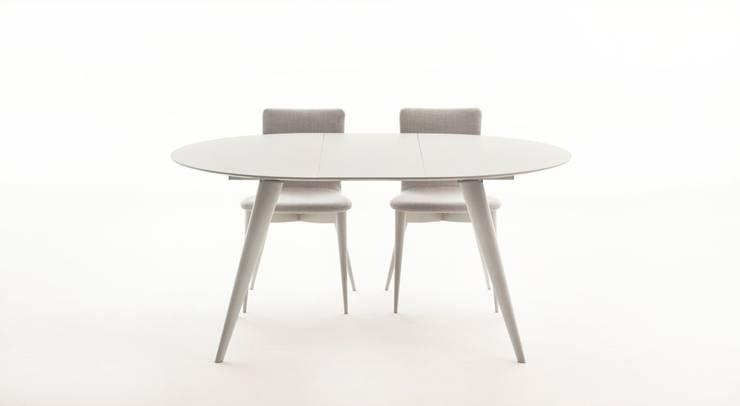 Un 39 ode alla praticit il tavolo rotondo allungabile for Tavolo rotondo estensibile