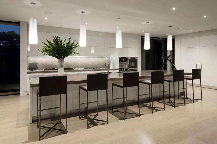 Residenza Sunset Streap Con Vista Spettacolare : Sunset strip residence por mcclean design homify