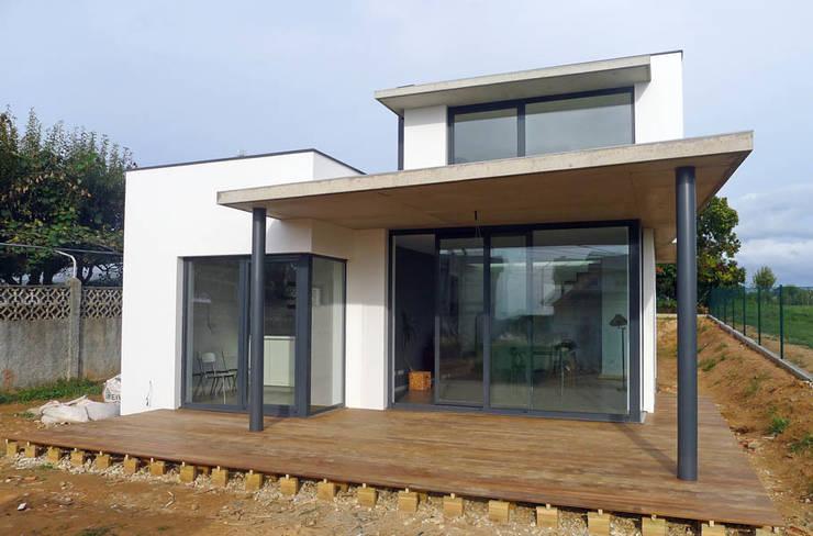 une maison de 100m avec extension pour un petit budget. Black Bedroom Furniture Sets. Home Design Ideas