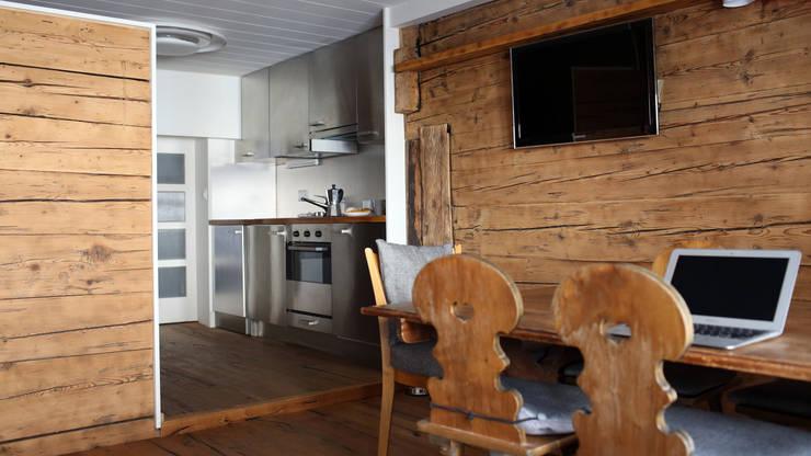 Il fascino della casa in legno uno chalet di montagna in for Piani di casa chalet svizzero