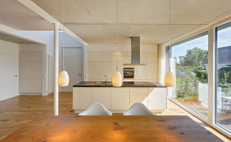 modern Dining room by Möhring Architekten