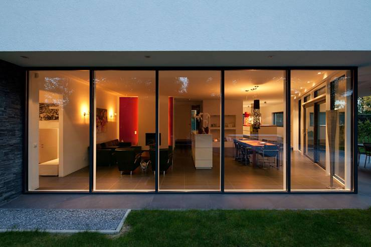 Moderne villa met zwembad - Zwembad entourage ...