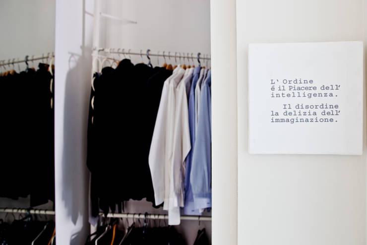 Closets minimalistas por BARBARA BARATTOLO ARCHITETTI