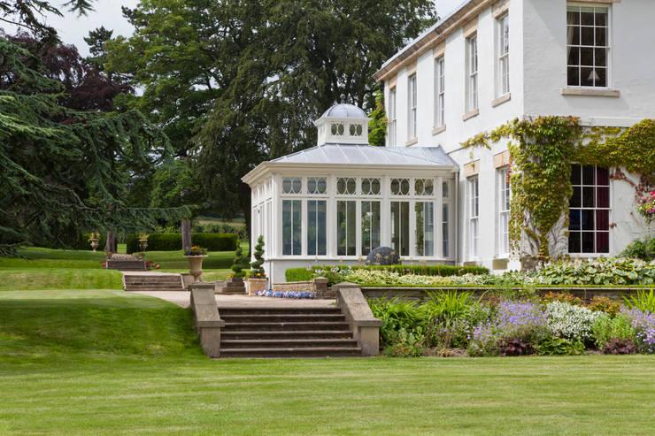 impressive dining conservatory por vale garden houses homify. Black Bedroom Furniture Sets. Home Design Ideas