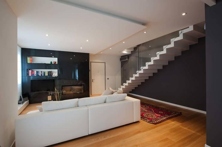 Come arredare una casa in stile moderno for Soggiorno minimalista
