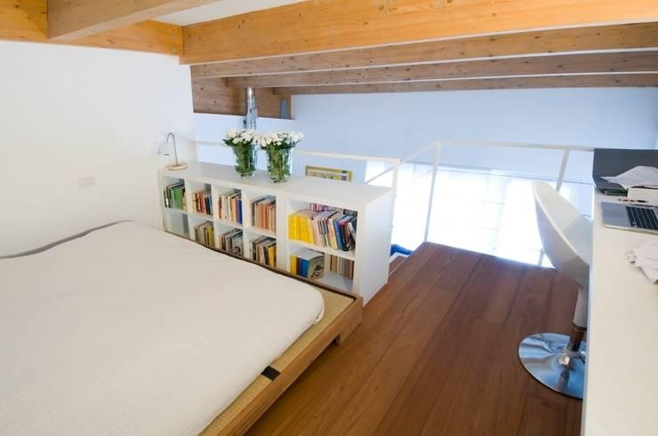 Come arredare una casa dai soffitti bassi 6 trucchi per for Arredare sottotetto basso