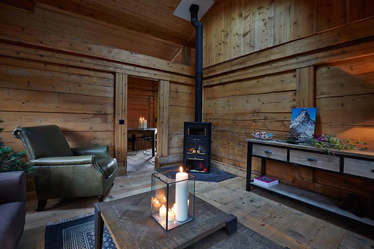 homify 360 kleines chalet in gsteig. Black Bedroom Furniture Sets. Home Design Ideas