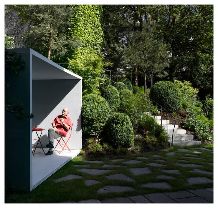 Jardines de estilo moderno por Gianni Botsford Architects