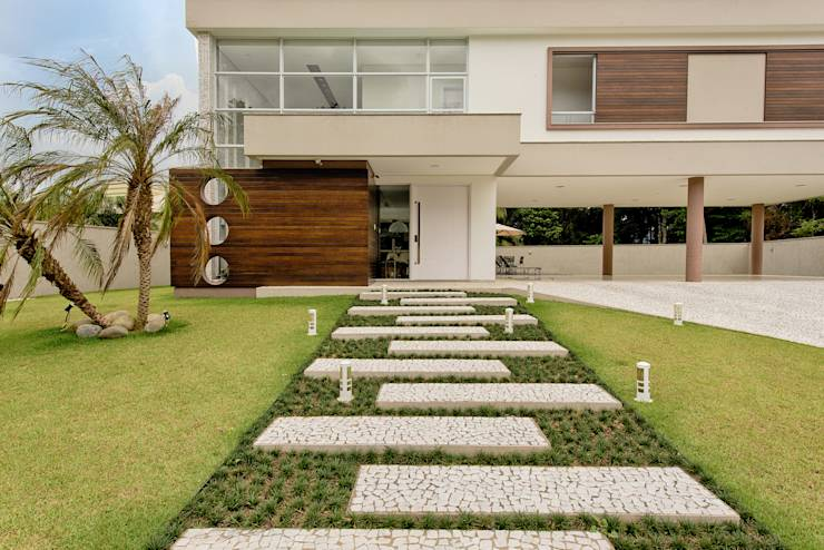 Casa Moderna Em Sc Tem Quintal Amplo E Muito Bom Gosto Em
