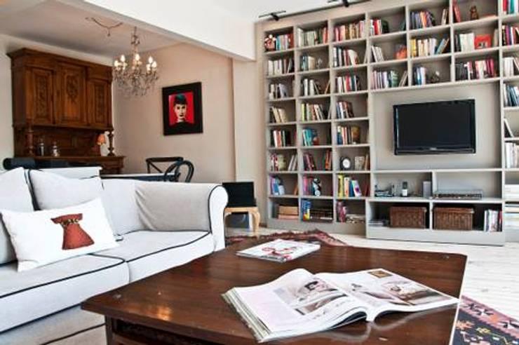 seldacampling - Evim Değerli: modern tarz Oturma Odası