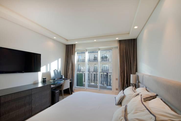 Un bel appartement contemporain et luxueux en plein paris - Chambre style atelier ...