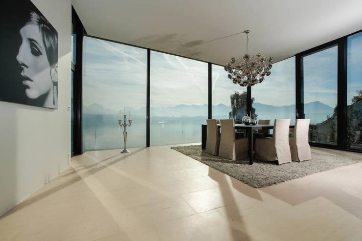 haus mit sagenhaftem blick. Black Bedroom Furniture Sets. Home Design Ideas