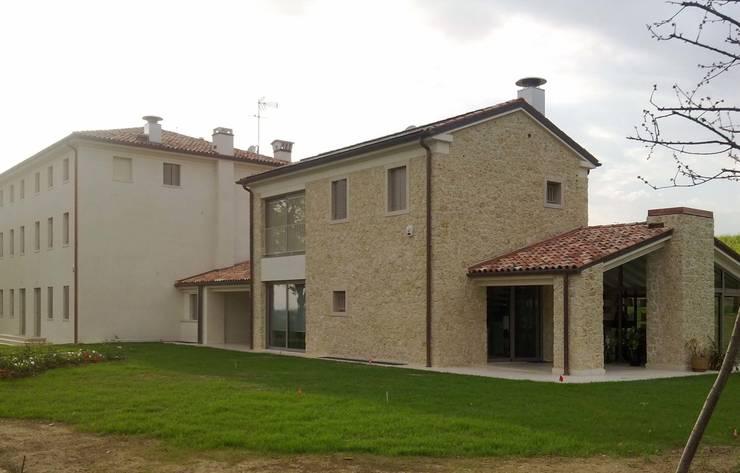 Homify 360 il rinnovo di un casale nel nord italia for Piani di cabina in stile ranch