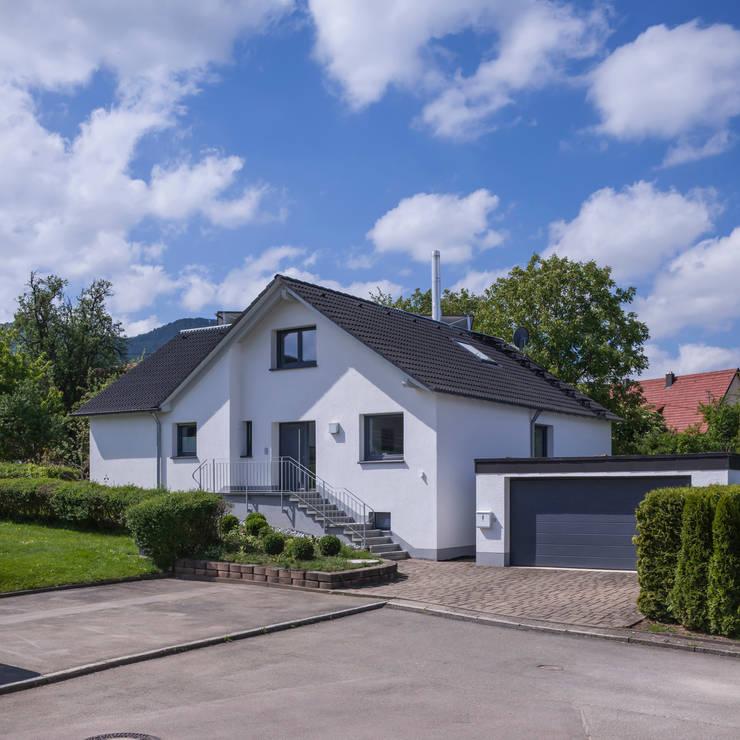 Modern wohnen im zweifamilienhaus for Zweifamilienhaus modern