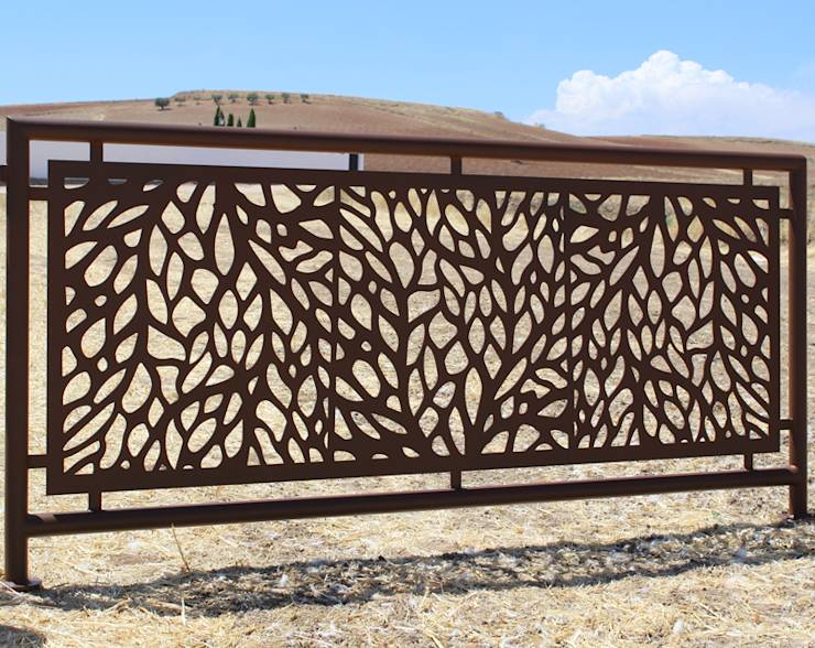 Proteger la intimidad diez celos as de madera hermosas for Piscina puerta del hierro