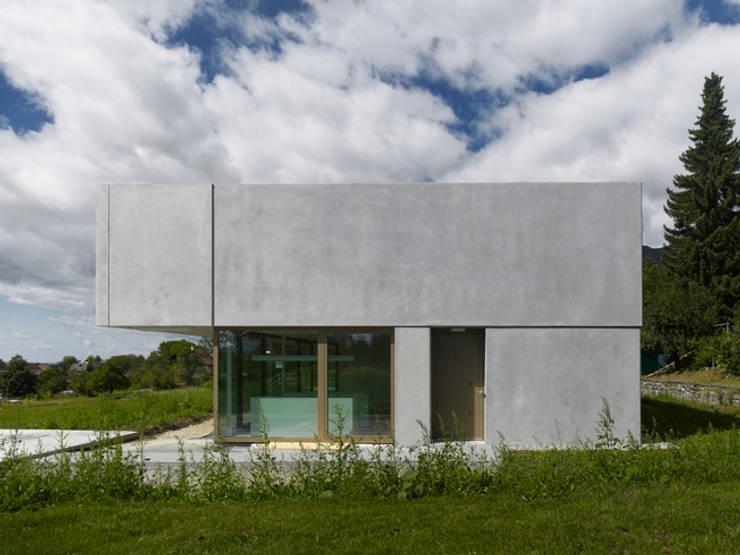 Homify 360 een prachtige dubbele villa aan de voet van de berg - Kubieke villa ...