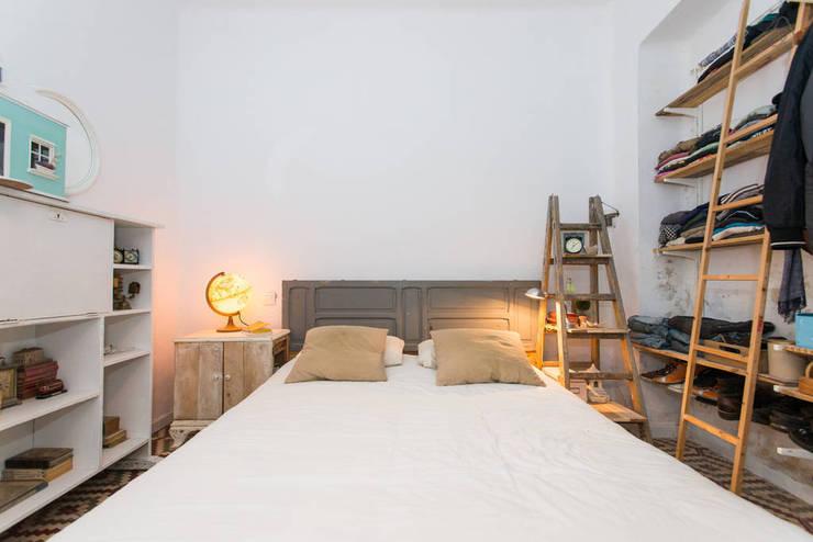 scandinavian Bedroom by saudade muebles