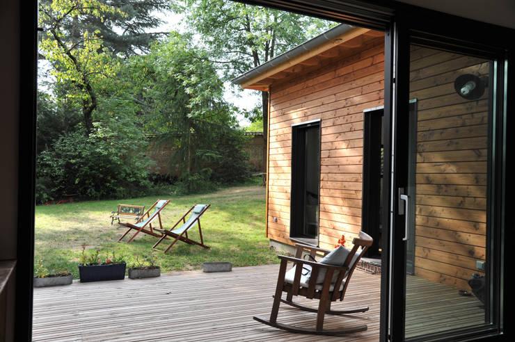 conseils construction pourquoi une maison ossature bois. Black Bedroom Furniture Sets. Home Design Ideas
