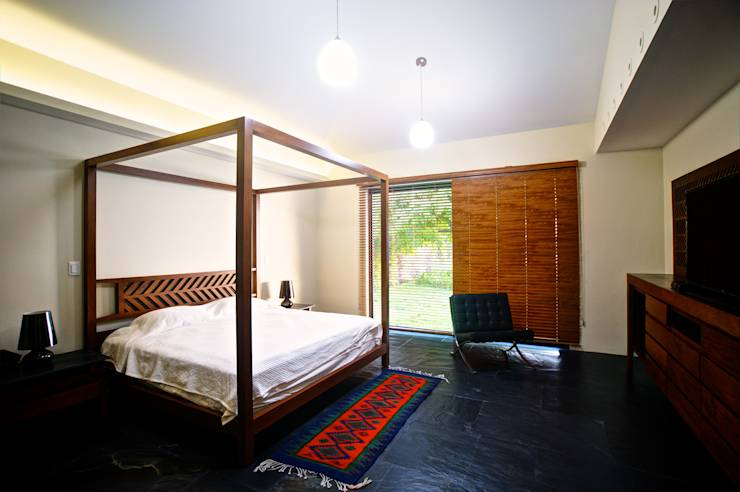 Houten Slaapkamervloer : moderne Slaapkamer door sanzpont ...