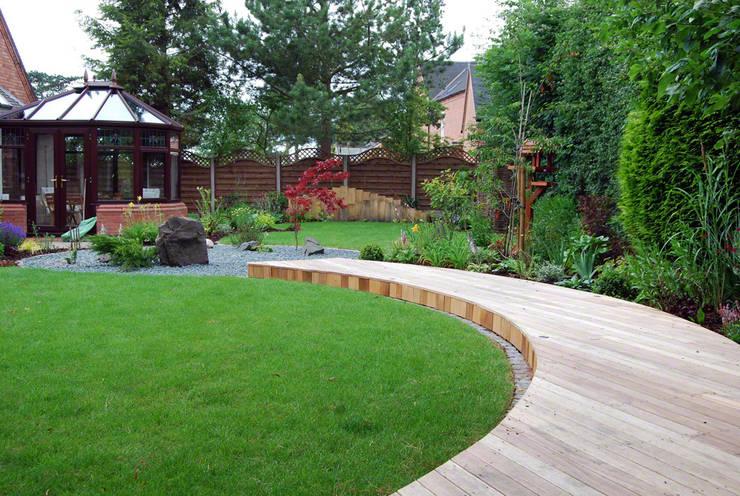 asiatischer Garten von Lush Garden Design