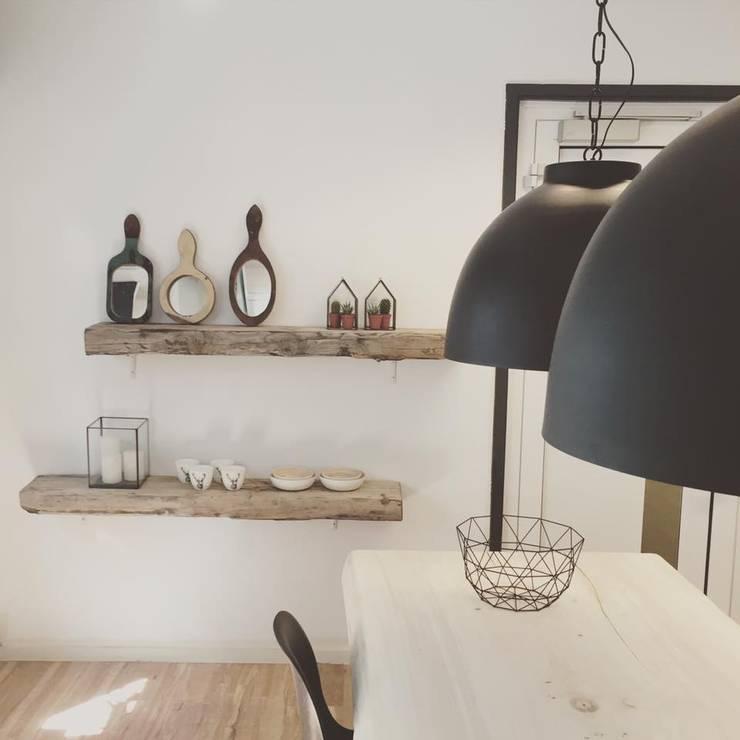 Keuken muur accessoires: wandplank van steigerhout made by myself ...